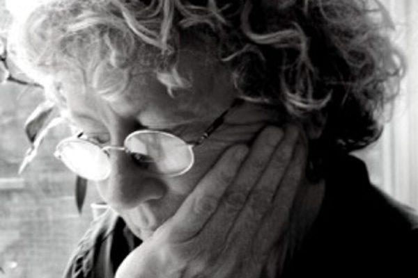 Poet Jean Valentine headshot