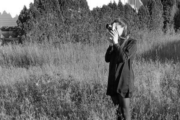 Photographer Jessica Maria Manley at work