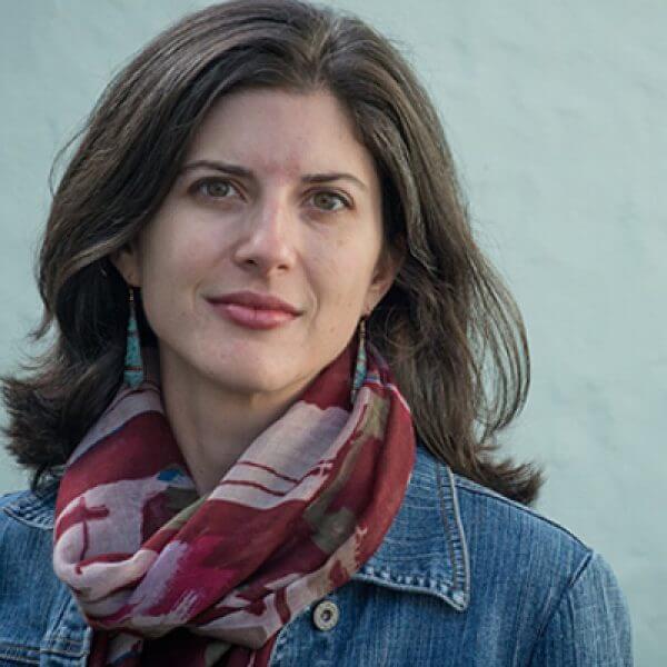 Headshot of writer Lynn Casteel Harper