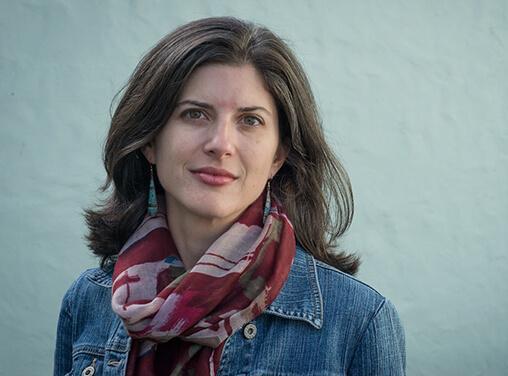 Headshot of author Lynn Casteel Harper