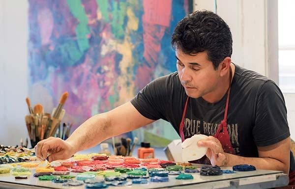 Image of abstract painter Henry Jackson in his studio