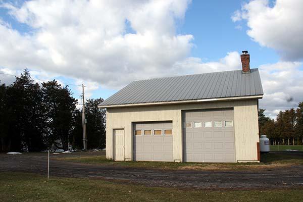 The exterior of Sandy Sokoloff's Lake Champlain studio
