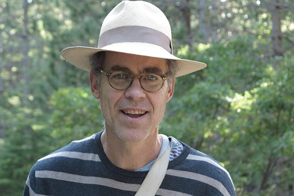 Headshot of poet Jeffrey Harrison